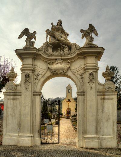 Friedhofsportal