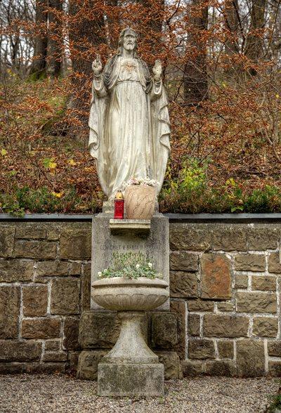 Herz Jesu Statue